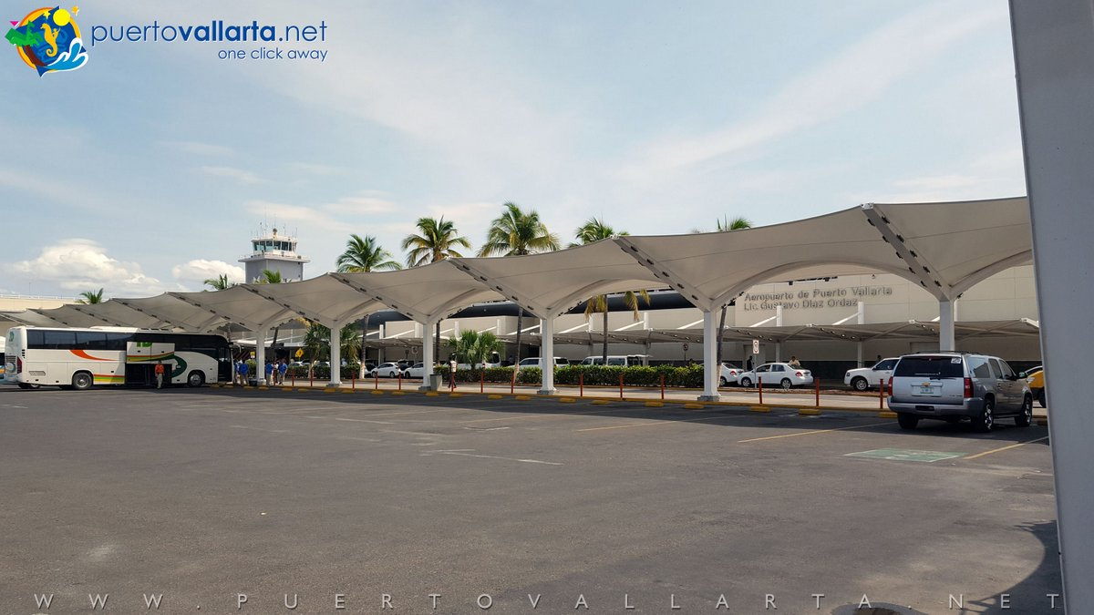 Partial view of Puerto Vallarta Airport's Parking lot