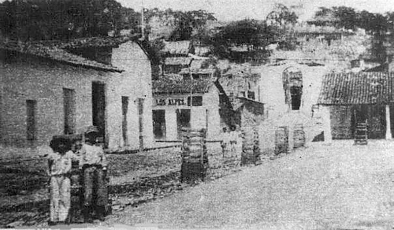 A photo from the early 1920's, you can see the Nuestra Señora de Guadalupe Church is under construction