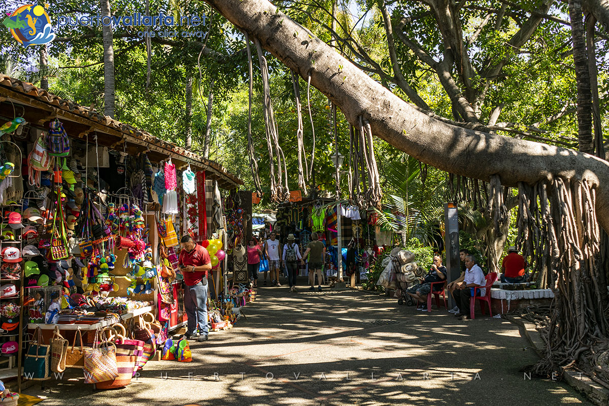 Souvenir and market stands on the Cuale Island