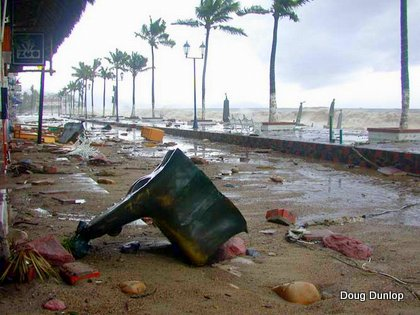 Hurricane Kenna 2002 Malecon