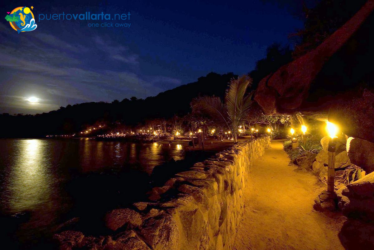 Las Caletas by night