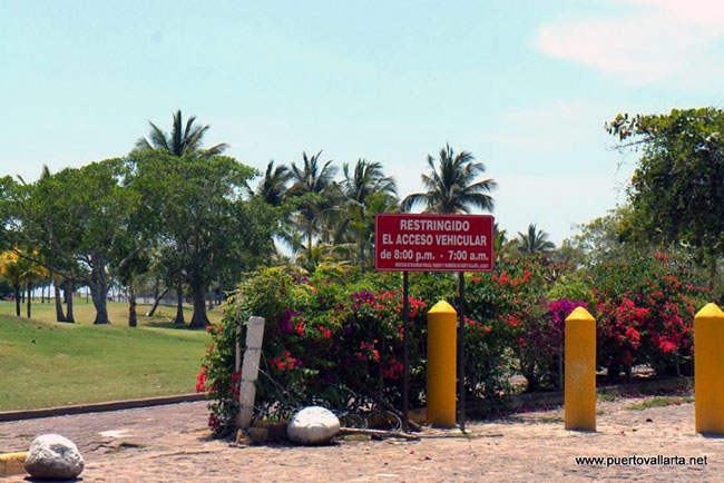 Marina Vallarta Beach access through Paseo Bocanegra