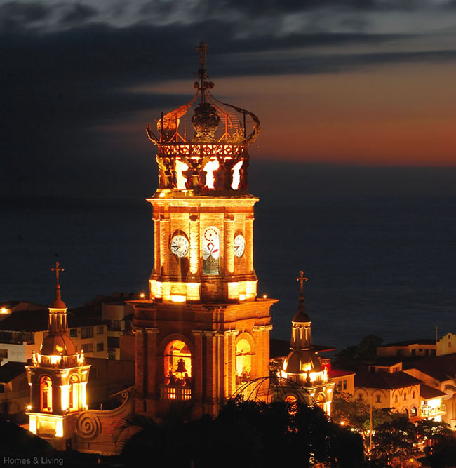 Puerto Vallarta downtown and the Guadalupe Parish