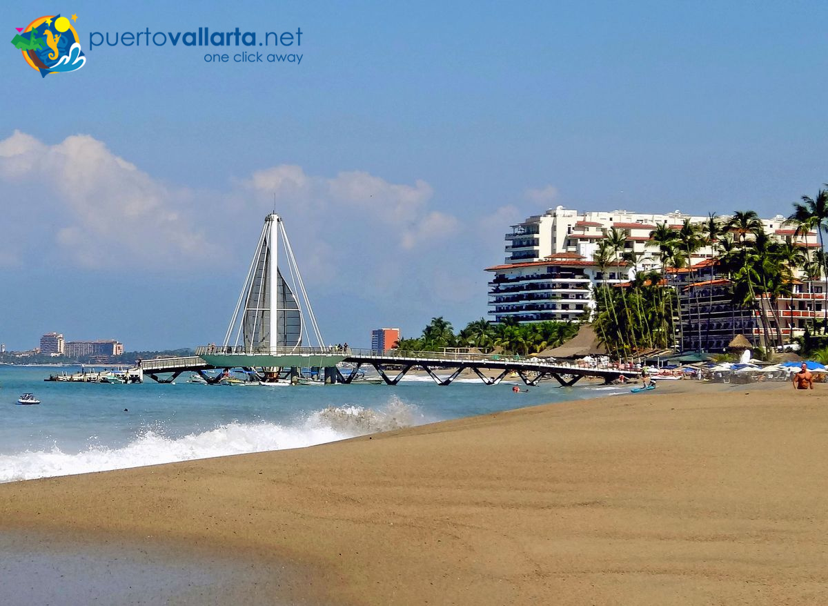 Los Muertos Beach (Playa de Los Muertos) and the pier, Romantic Zone, Puerto Vallarta