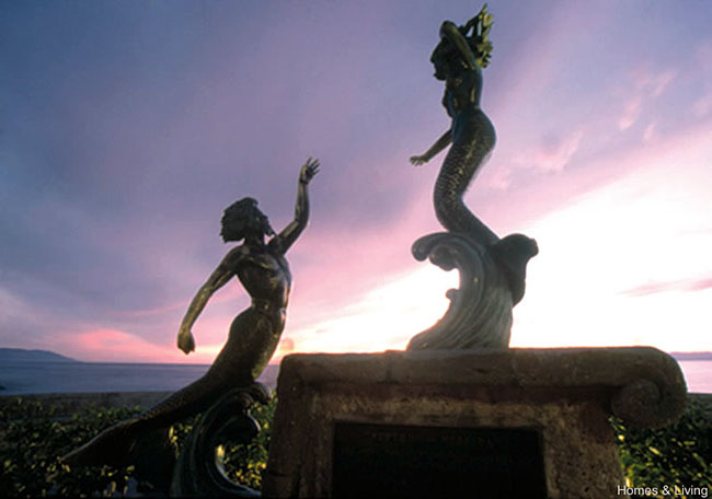 Triton and Mermaid, one of the Malecon Statues
