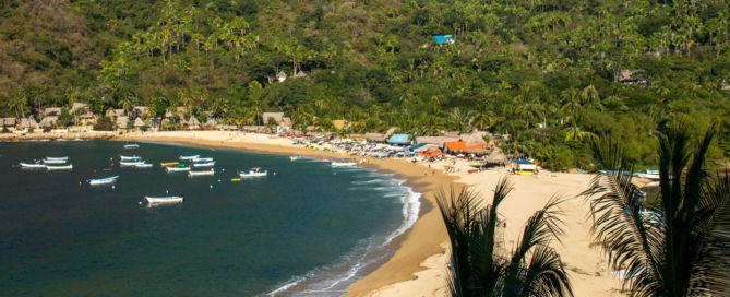 Vista de la playa principal de Yelapa