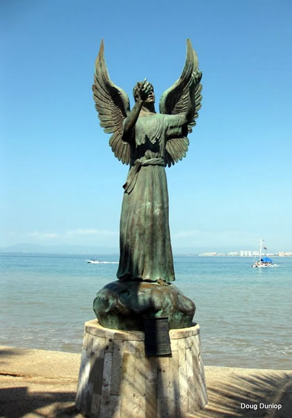 """""""Angel of Hope and Messenger of Peace"""" by Héctor Manuel Montes García (2007)"""