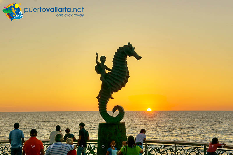 The Boy on the Seahorse (1976) Rafael Zamarripa Castañeda, Puerto Vallarta Malecon