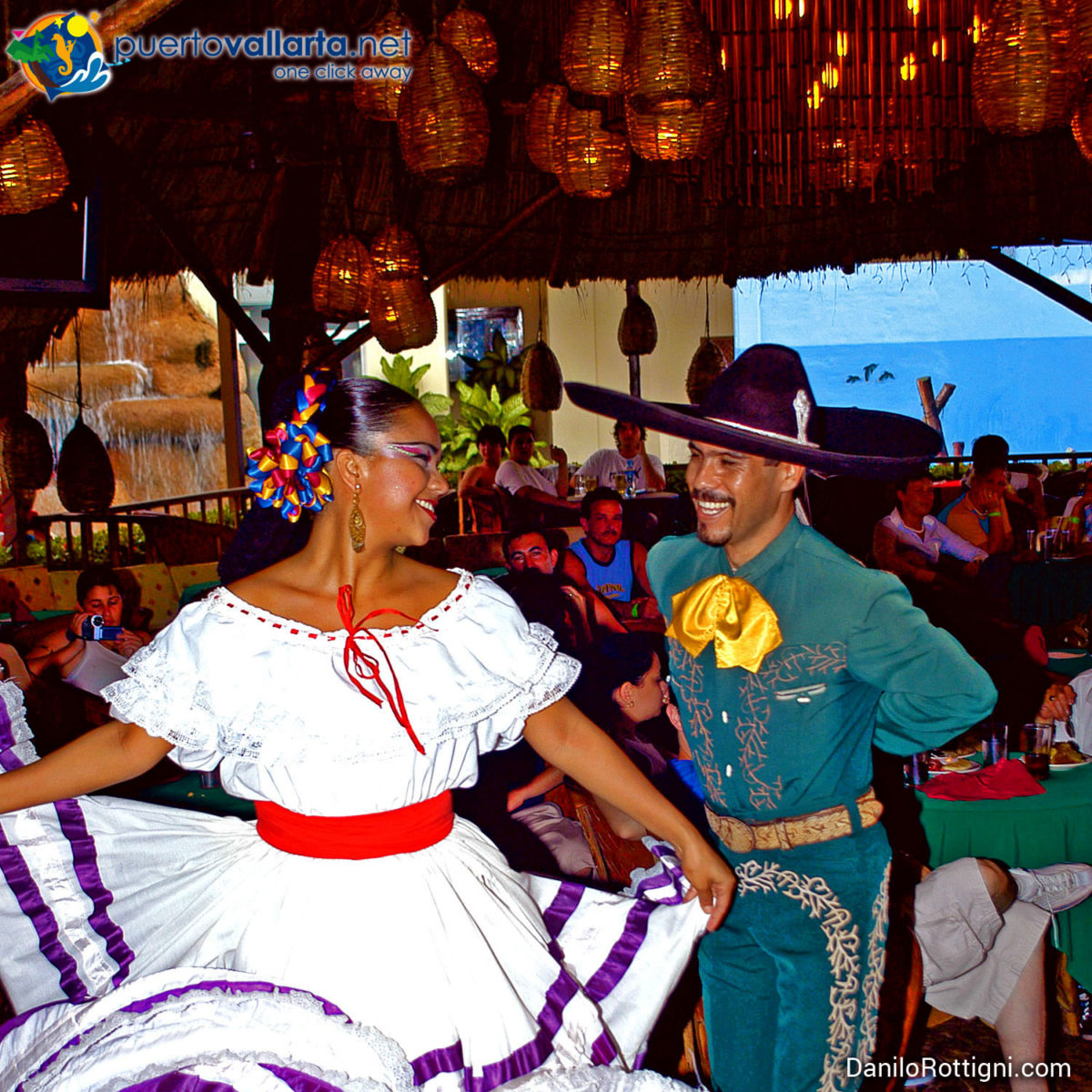 Fiesta Mexicana, traditional Mexican dancers and dress