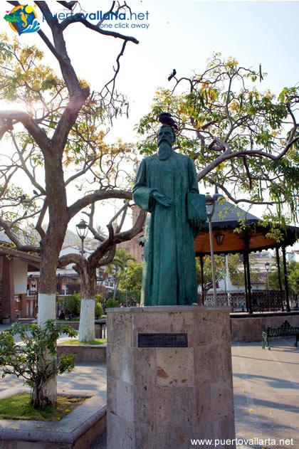 Statue of Ignacio Luis Vallarta